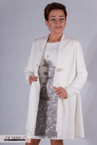 biały szeroki płaszcz do sukienki