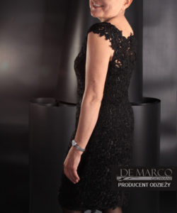 czarna sukienka z gipiury na wieczór