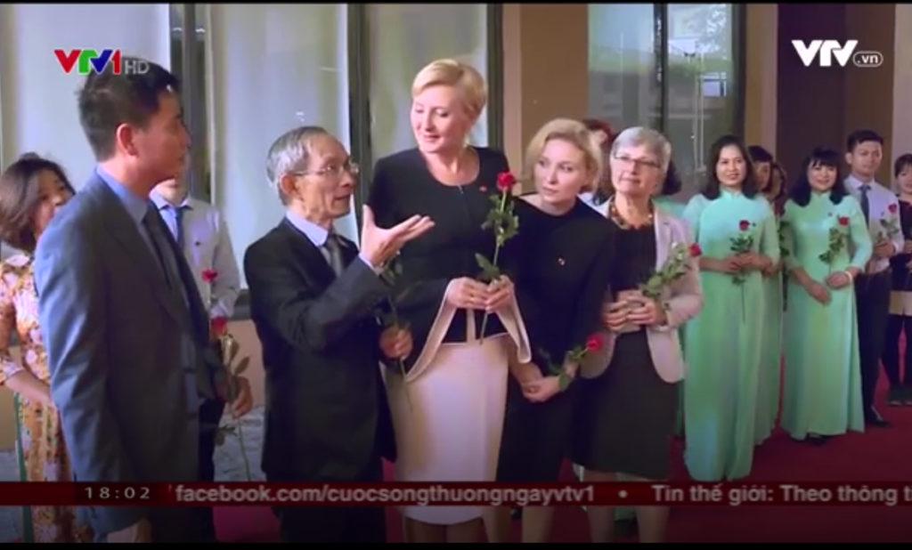 telewizja o wizycie Agaty Dudy w Wietnamie