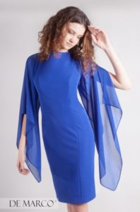 szafirowa sukienka z szyfonowymi rękawami, najmodniejsza sukienka na wesele