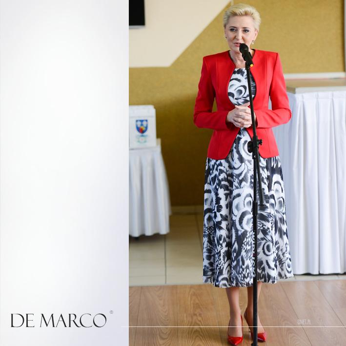 Elegancki czerwony żakiet szyty na miarę u projektantki mody Władysławy Frączek z Frydrychowic.