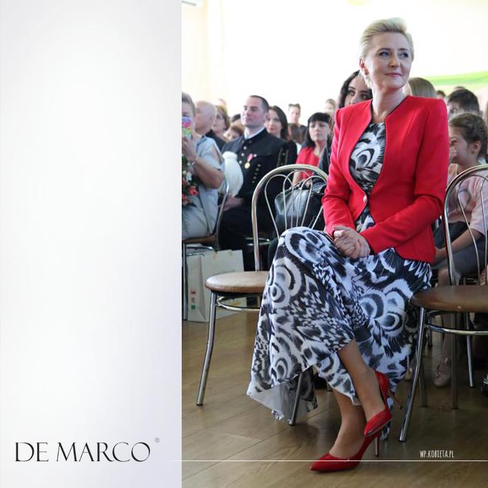 Styl Pierwszej Damy Agaty Dudy. Piękny czerwony elegancki żakiet z De Marco można zamówić na sklepie internetowym.