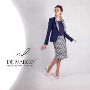 Żakardowy kostium damki idealny na ważne spotkania, delegację, wykłady. Wizytowa i biznesowa odzież damska dostępna w Salonie Mody De Marco.