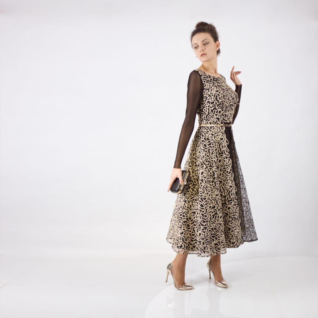 Świąteczne, weselne i sylwestrowe suknie balowe dla kobiet wymagających. Szycie na miarę ekskluzywnych sukienek u projektanta mody z Małopolski. Sklep internetowy z eleganckimi ubraniami De Marco.