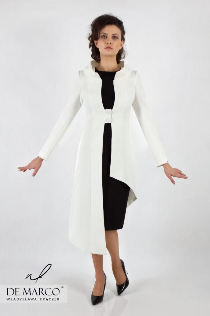 Ekskluzywny i oryginalny płaszczyk do sukienki dla matki wesela. Doskonale sprawdzi się podczas podniosłych uroczystości rodzinnych, państwowych i firmowych.