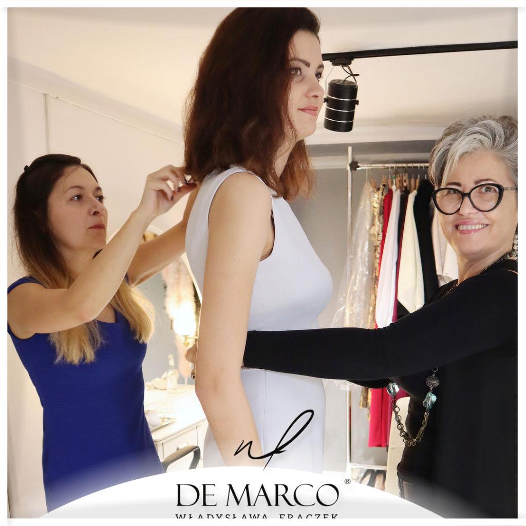 Eleganckie ubrania dla dojrzałej kobiety. Jak skompletować szafę kapsułową dla 30 latki, 40 latki, 50 latki, 60 latki, 70 latki